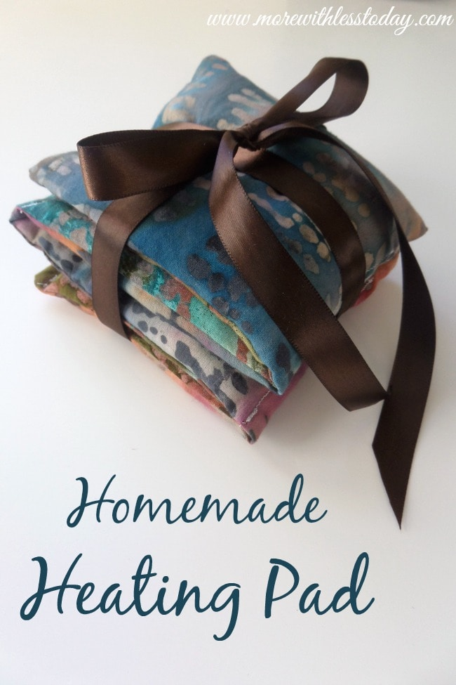 Are you looking for easy instructions to make a homemade heating pad? They make a great gift or for yourself to ease your aches and pains.