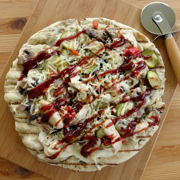 favorite grill recipes chicken bbq pizza