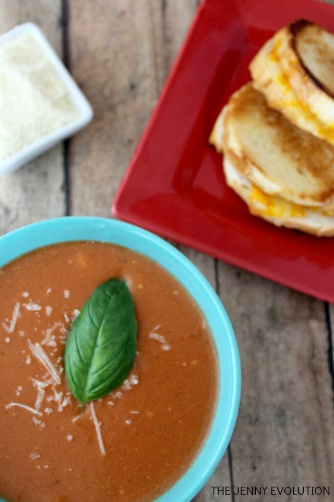 Slow Cooker Tomato Soupby The Jenny Evolution