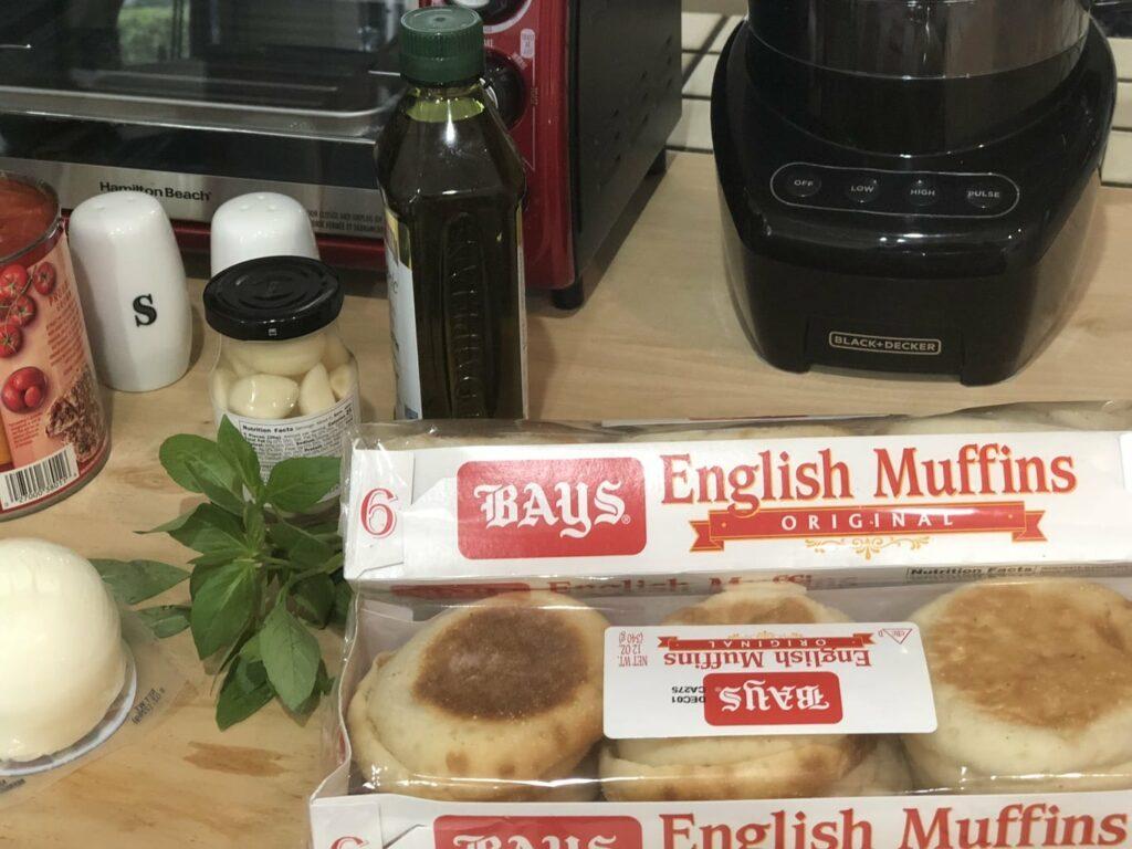 ingredients to make Bays English Muffins Mini Pizza Margherita