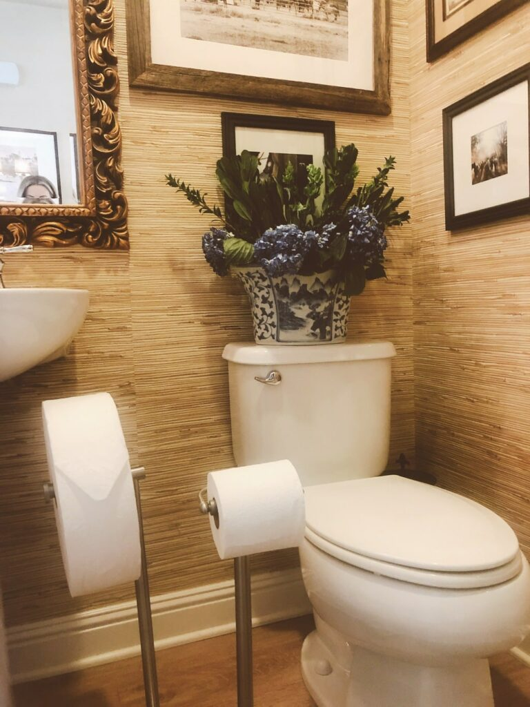 guest bathroom essentials to make everyone feel at home
