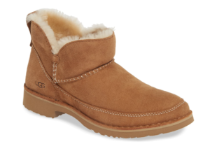 UGG® Boot in Chestnut Suede