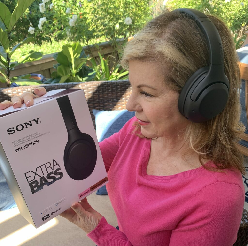 Sony's New Line of Noise Cancelling Headphones at Best Buy