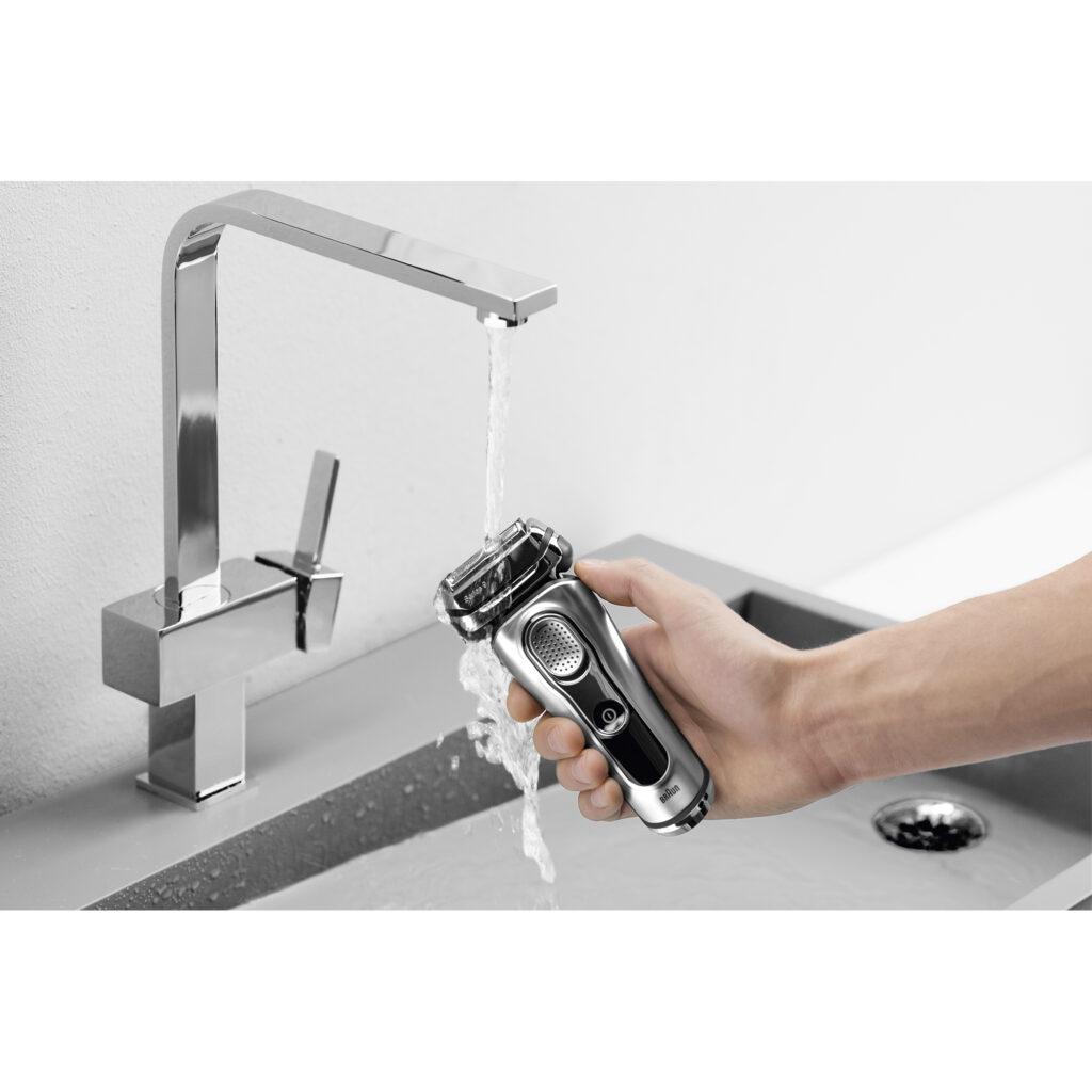 Braun electric shaver, Series 9 9291cc getting rinsed under water - it is waterproof