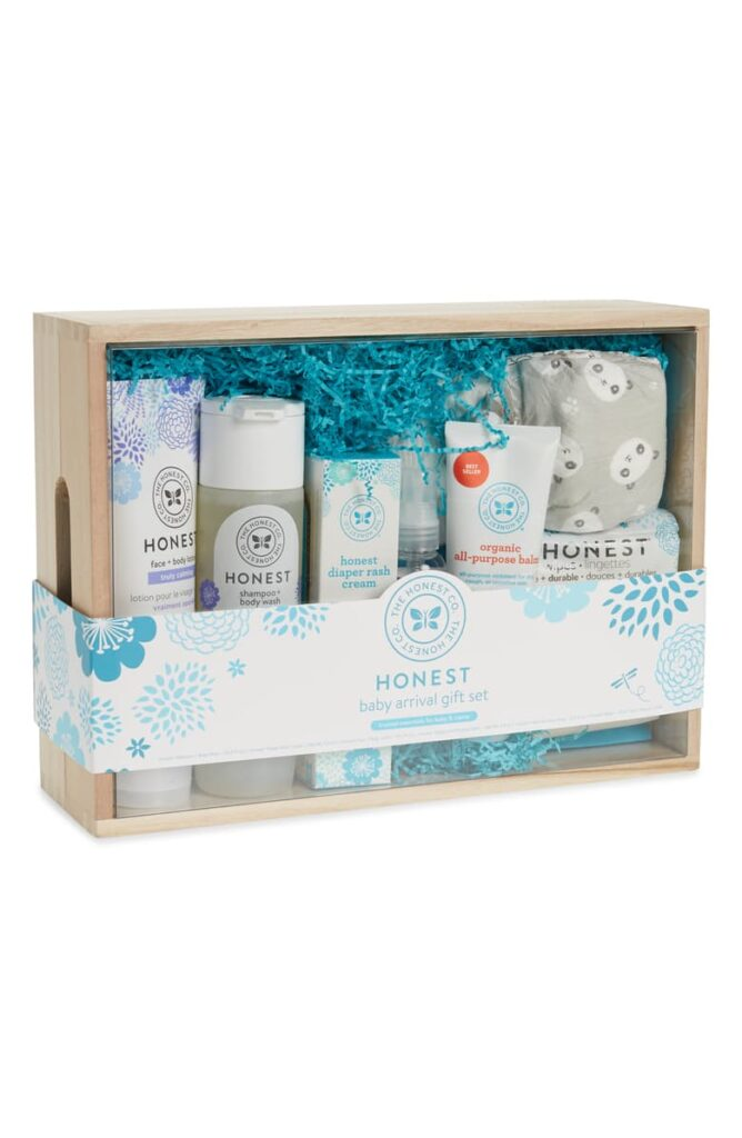 Baby Arrival Gift Set THE HONEST COMPANY