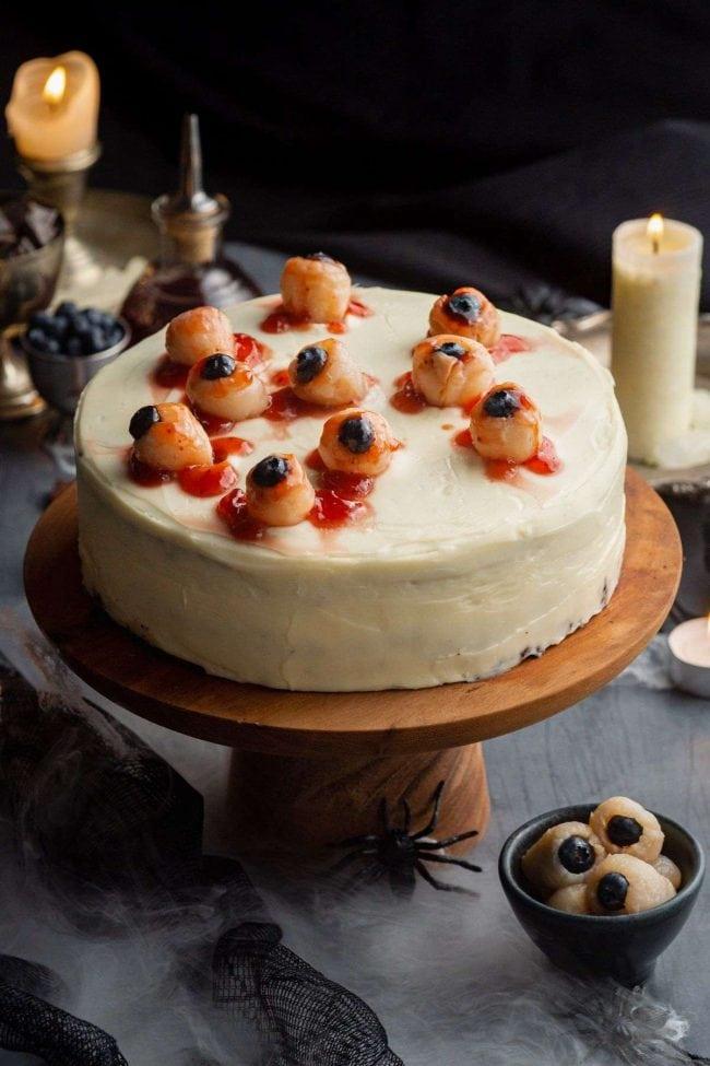 Halloween Party Treats - Halloween Cake with Eyeballs