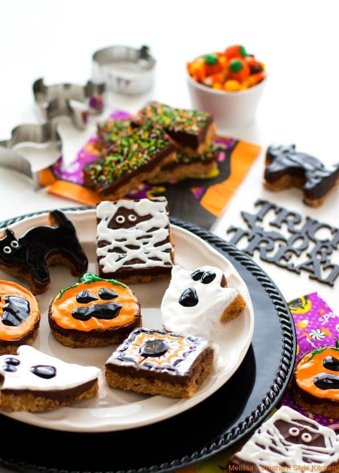 Halloween Desserts - Halloween Scotcheroos